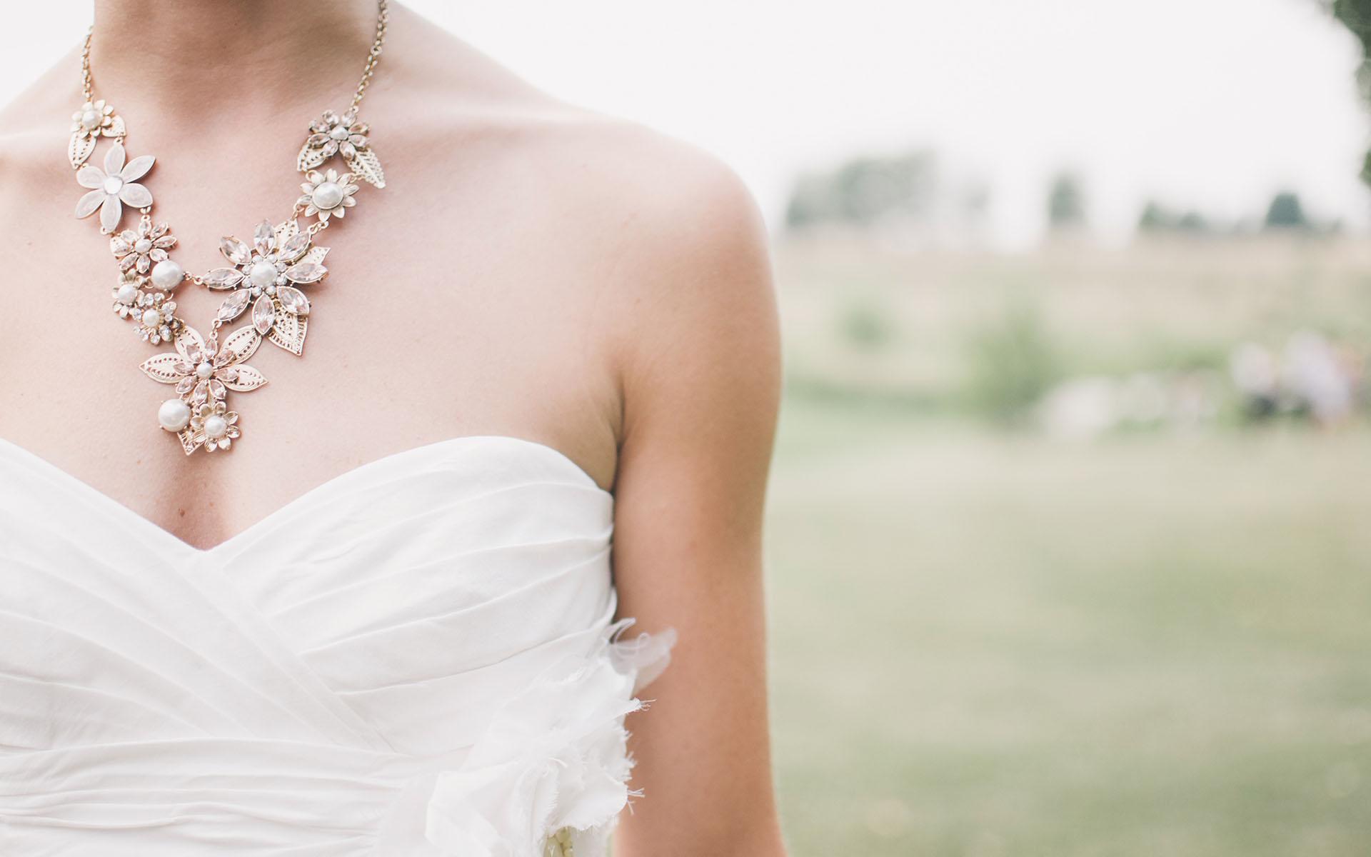 Jak wybrać biżuterię ślubną